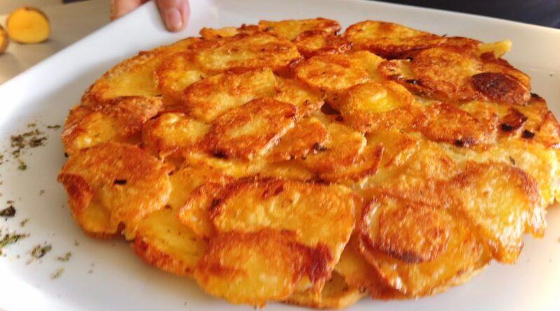 دستور پخت یک غذای ساده و خوشزه ایتالیایی با سیب زمینی/ فریتای سیب زمینی