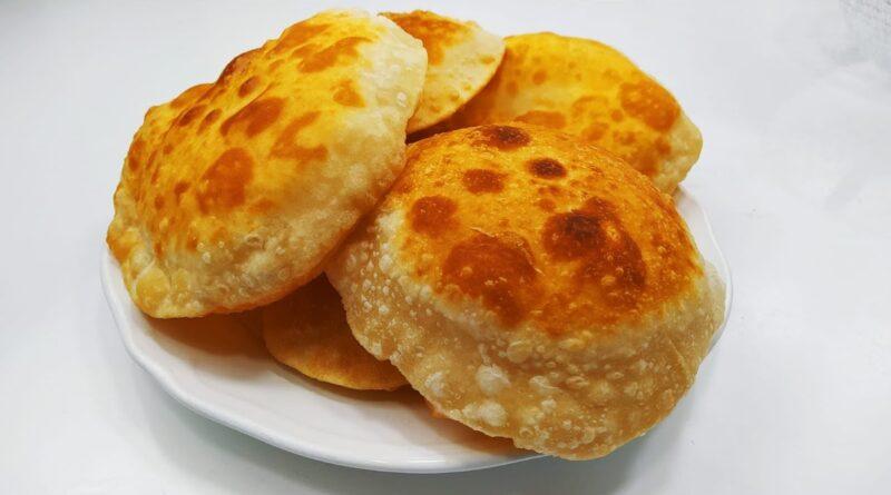 بدون خمیرمایه، بدون فر/ تنها با آرد و آب نانی بپزید که مثل بادکنک پف کند/ آموزش بهترین های آشپزی ملل با ترجمه