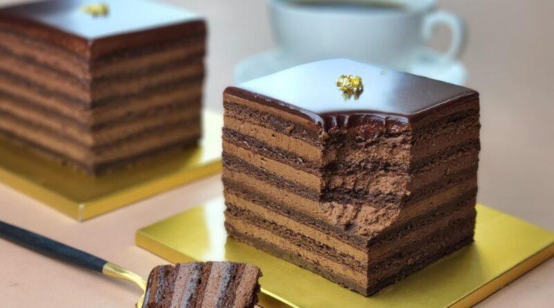 طرز تهیه کیک شکلاتی خیس بدون آرد/ بدون گلوتن/معرفی دستورپخت های پرطرفدار جهان با ترجمه کامل